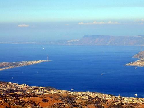 Lo stretto di Messina e il ponte