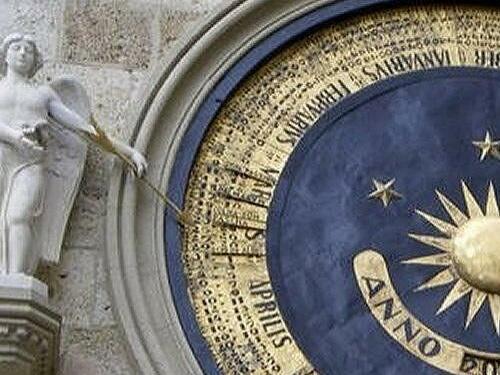 torre orologio astronomico foto