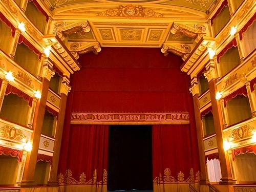 teatro vittorio emanuele foto